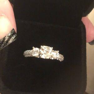 🎄🛍NWOT STUNNING PRINCESS CUT DIAMONIQUE RING